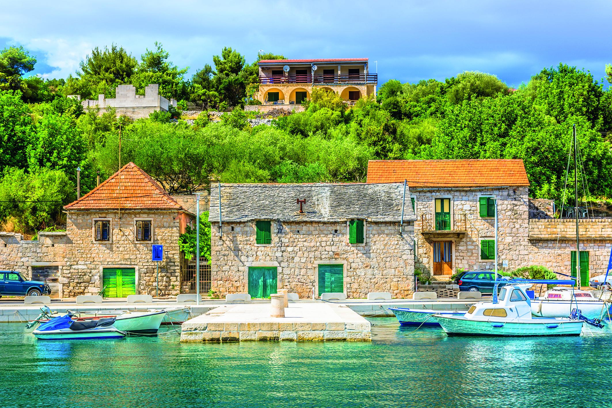 Eine schöne Ferienwohnung, direkt am Wasser, lädt zum Entspannen ein.