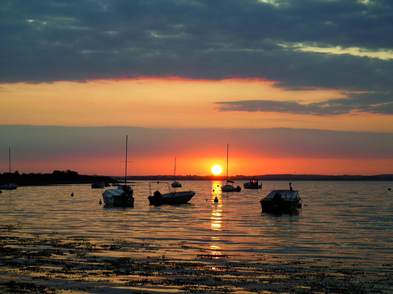 Boote auf der Ostsee, beim Sonnenuntergang.
